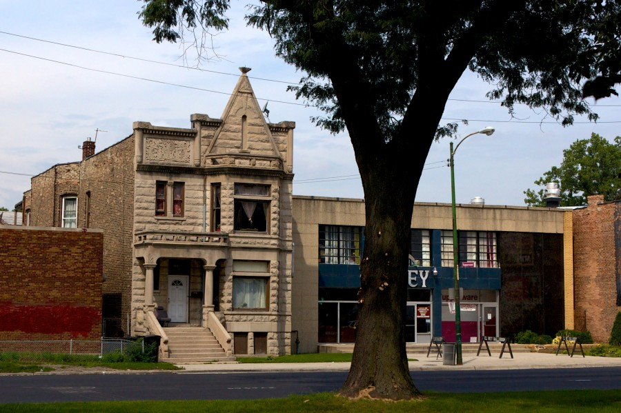 ca. 1880s Romanesque greystone two flat near 36th and Western. John Morris/Chicago Patterns