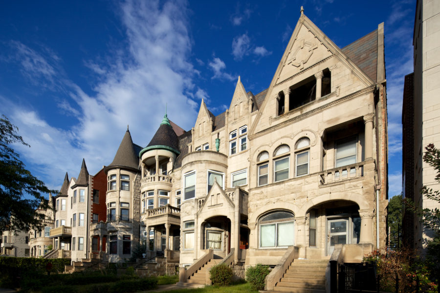Romanesque houses on Drexel Boulevard. John Morris/Chicago Patterns