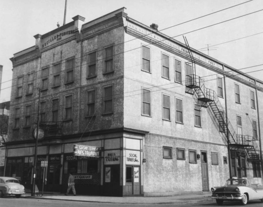 Social Turner Hall at Belmont and Paulina [Ravenswood-Lake View Community Collection, Chicago Public Library]