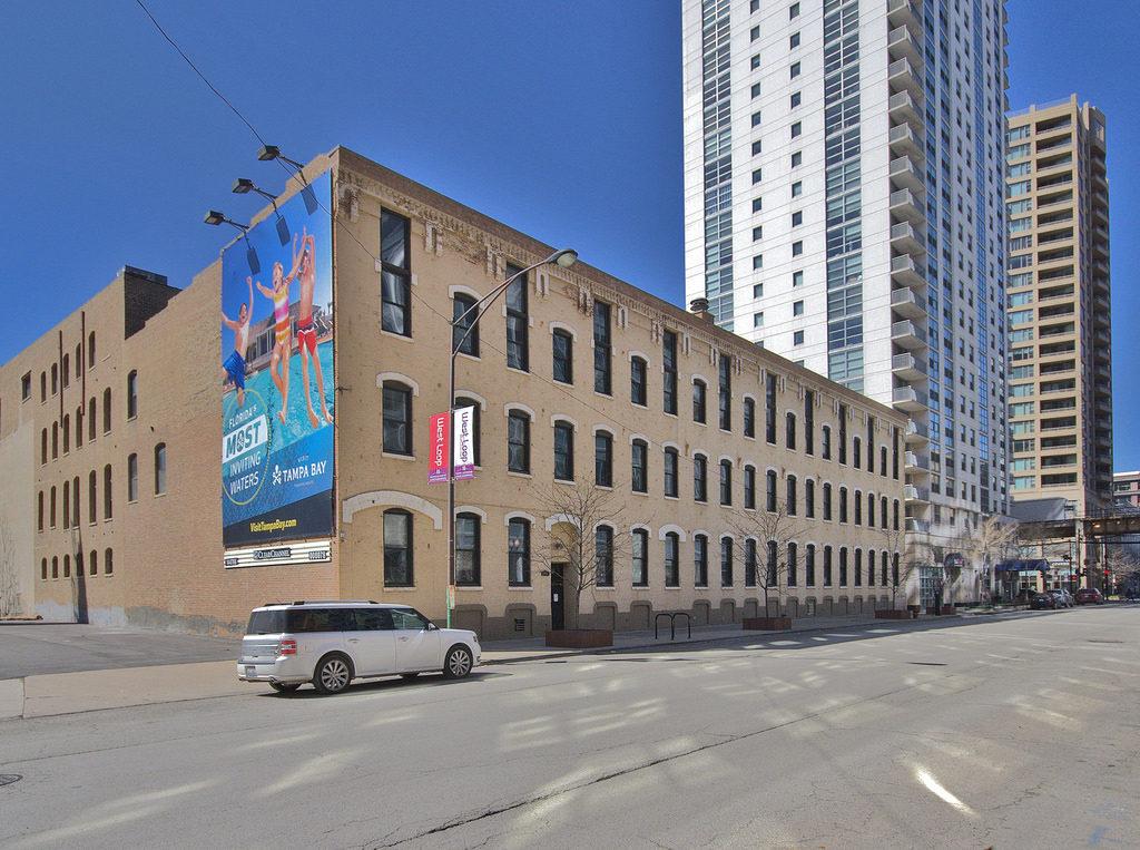 154 - 166 North Jefferson Street, viewing northwest.