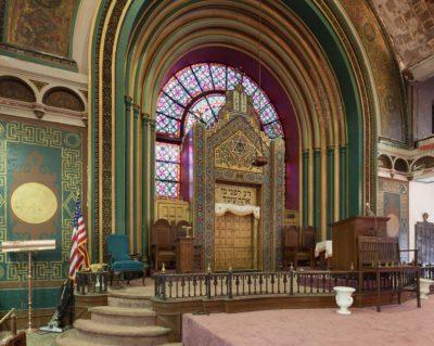 Ark, Agudas Achim synagogue, 2012