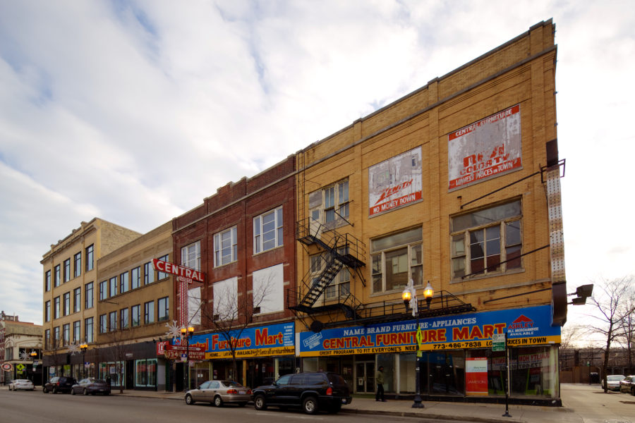 Former Central Furniture Mart at Milwaukee and Wood in 2014 [John Morris/Chicago Patterns]