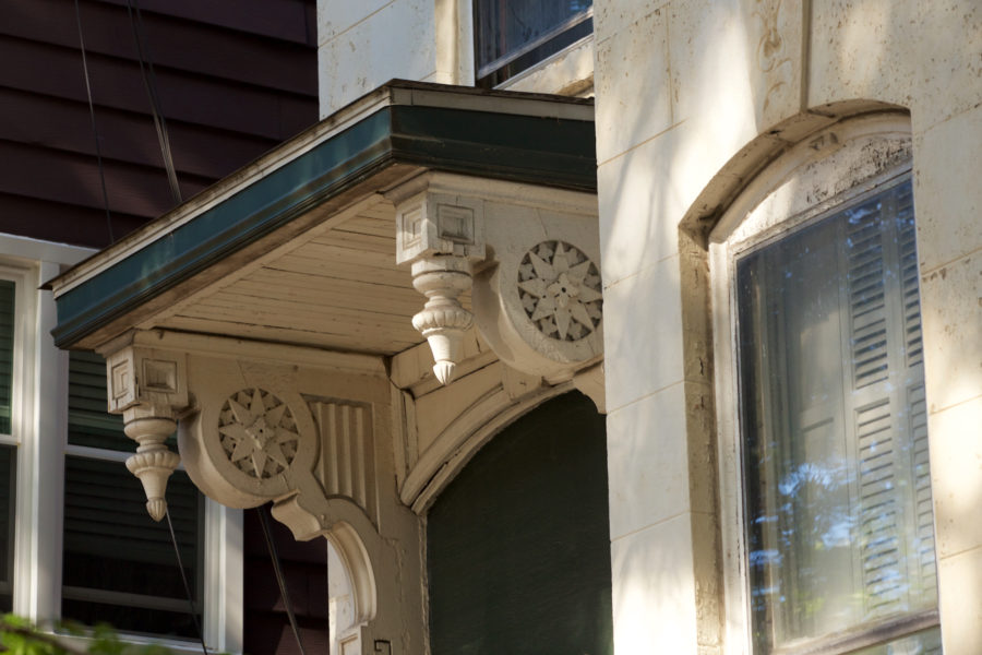 Front porch spindlework [John Morris/Chicago Patterns]